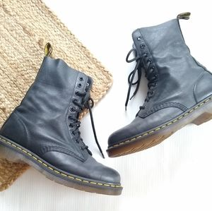Doc Martens • 1490 black leather lace-up boots